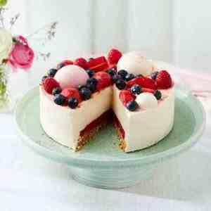 Try also Sommerlig ostekake med sitron og plommer.
