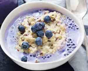 Try also Grøt med blåbærmelk.