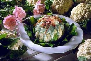 Prøv også Blomkål med grønn ostesaus og bacon.