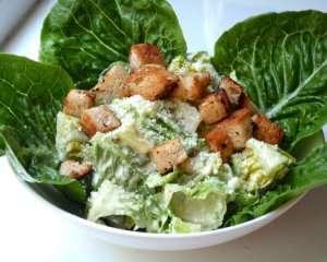 Prøv også Cæsar salat.