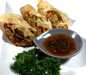 Les mer om V�rruller med chili- og koriander-dipsaus hos oss.