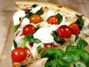 Prøv også Pizza med tomat, mozzarella og basilikum.