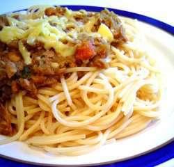 Spaghetti med tunfisk i karri oppskrift.