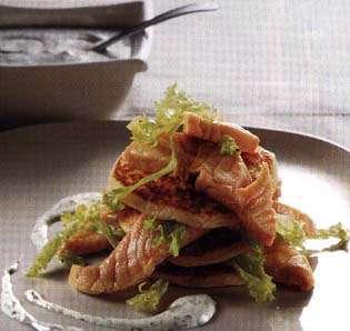 Bilde av Minipannekaker med syltet laks.
