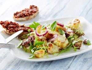 Prøv også Mozzarella på romslig potetsalat.