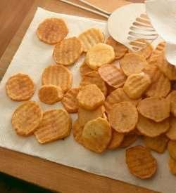 Frityrstekte potetskiver oppskrift.