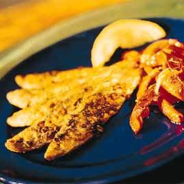 Sprøstekt brisling med paprikasalat oppskrift.