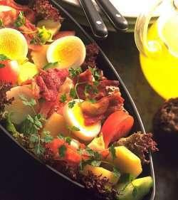 Les mer om Potetsalat som middag hos oss.