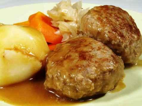 Kjøttkaker i brun saus oppskrift.