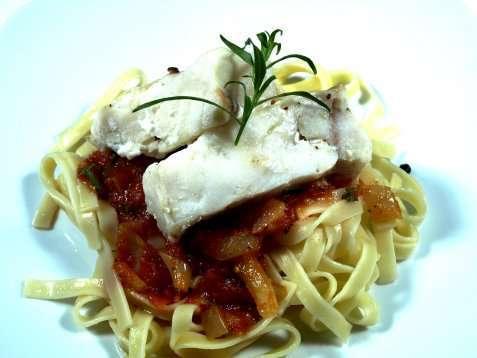Hot´n spicy tagliatelle med ovnsbakt torsk oppskrift.