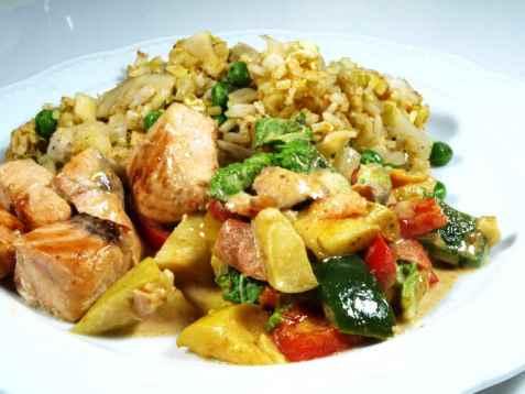 Stekt ris med laksecurry oppskrift.