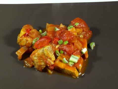Bilde av Sei i tomatkarri.