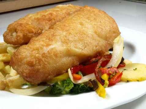 Frityrstekt fiskefilet med sennepsmak oppskrift.