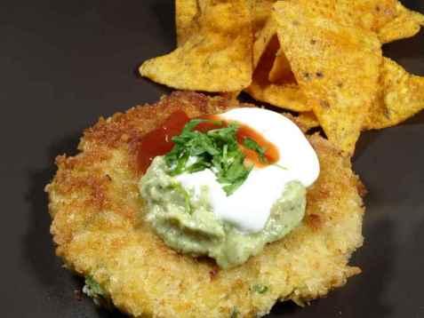 Bilde av Meksikansk kalkunburger med tortilla-chips.