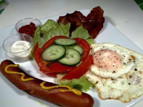 Bacon og egg på engelsk oppskrift.
