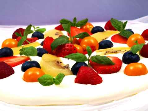 Pavlova or Meringue Cake.