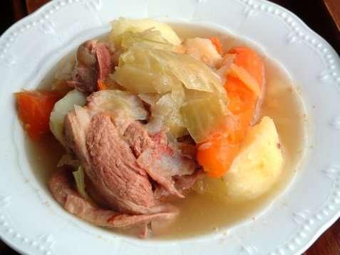 Lammekjøttsuppe oppskrift.