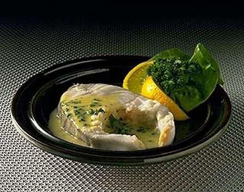 Avkokt torsk med lever, rogn og Sandefjordsmør oppskrift.