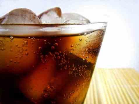 Rom og cola oppskrift.