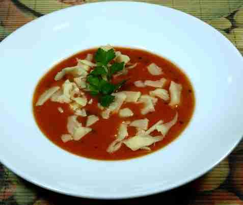 Tomatsuppe med krydderurter oppskrift.