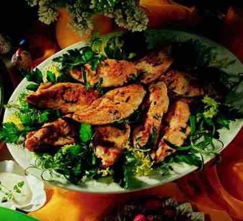 Marinert kyllingbryst på lun salatseng oppskrift.