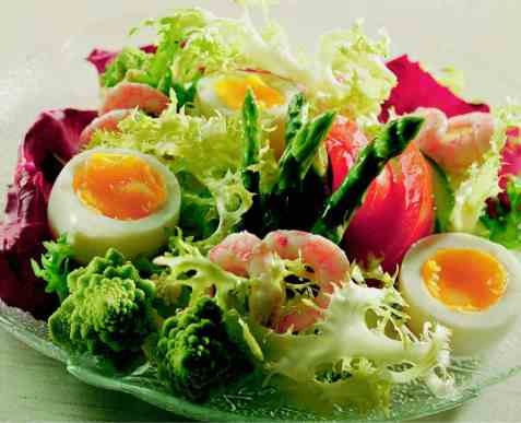 Salat med smilende egg oppskrift.