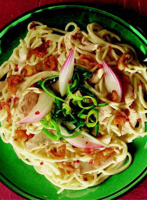 Spagetti med kyllingkrisp oppskrift.