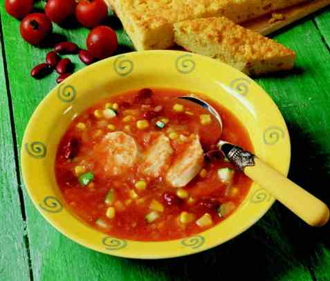 Italiensk kyllingsuppe med polentakaker oppskrift.
