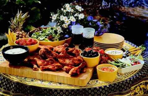 Sommerbuffet med grillet kylling oppskrift.