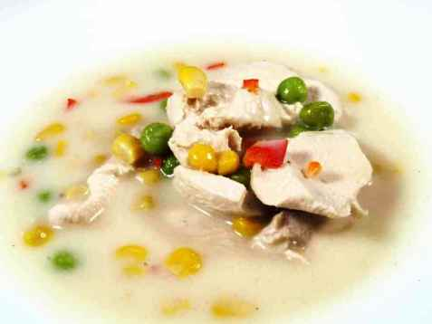 Kremet Kyllingsuppe med mais oppskrift.