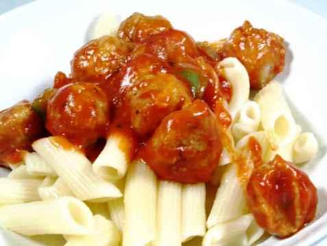 Pasta med frisk tomatsaus oppskrift.
