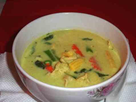 Gang Khiaovan Gai(Thailandsk kylling med grønn karri oppskrift.
