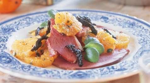 Røkt lammelår med mandarinsalat til juletapas oppskrift.