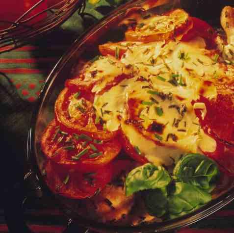 Kyllingform med tomater oppskrift.