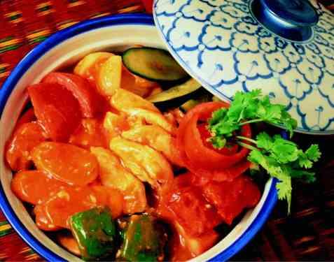 Pad Piew Hwan Gai (Sur-søt kylling) oppskrift.
