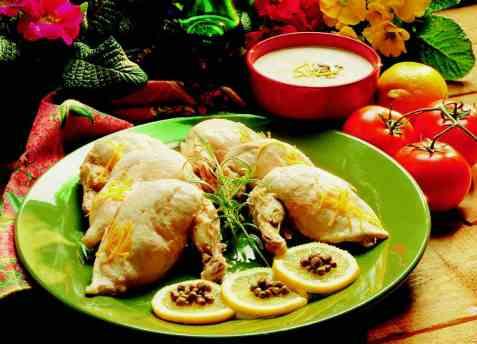 Pollo tonnato (Kylling med kald tunfisksaus) oppskrift.