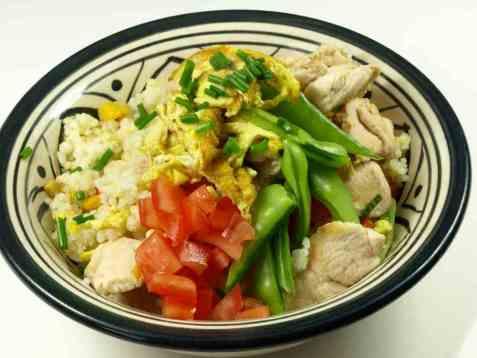 Stekt ris med kylling (fried rice) oppskrift.