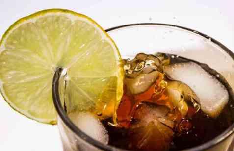 Jack & Coke oppskrift.
