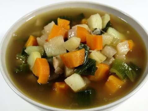 Grønnsakssuppe med pølse oppskrift.