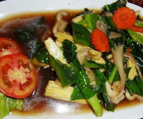 Blandede grønnsaker i østerssaus oppskrift.