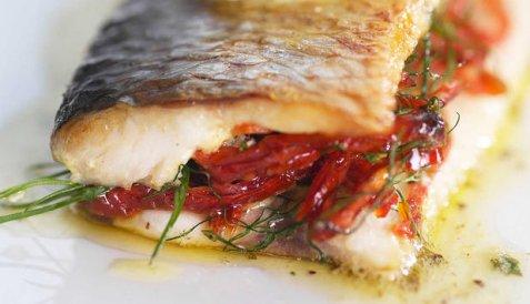 Bilde av Stekt sild med dijon-og tomatfyll.