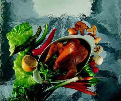 Helstekt kylling på rotgrønnsaker oppskrift.