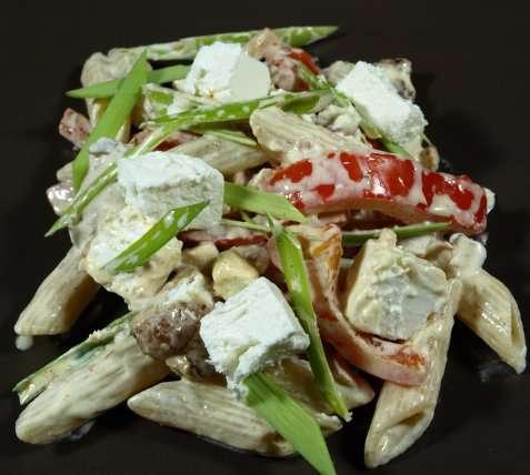 Bilde av Mettende pastasalat.