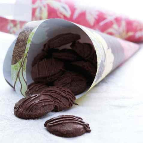 Sjokoladekjeks med marsipan oppskrift.