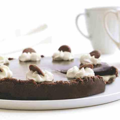 Karamell-sjokoladeterte oppskrift.