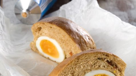 Rundstykker med innbakte egg oppskrift.
