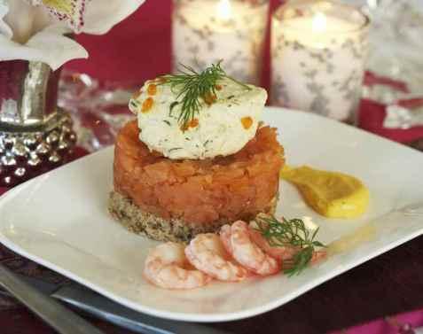 Bilde av Lakserognpat� med kremet eggeplomme.