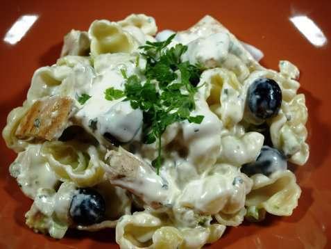 Kylling med pastasalat oppskrift.