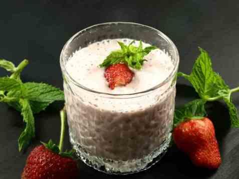 Frisk jordbær milkshake oppskrift.