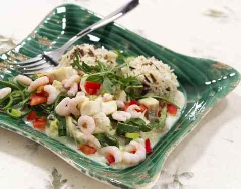 Lettvint fiskegryte med torsk oppskrift.